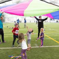 Parachute fun for little Lakers